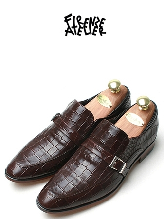 POINTED STRAP LOAFER